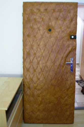 dveře zezadu